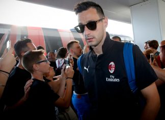 Nikola Kalinic at Linate airport on July 22, 2018. (@acmilan.com)