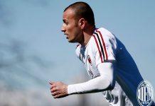Luca Antonelli during training at Milanello. (@acmilan.com)