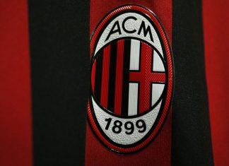 The Milan badge on the Rossoneri shirt. (@acmilan.com)