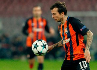 Bernard during Napoli-Shakhtar Donetsk at Stadio San Paolo on November 21, 2017. (CARLO HERMANN/AFP/Getty Images)