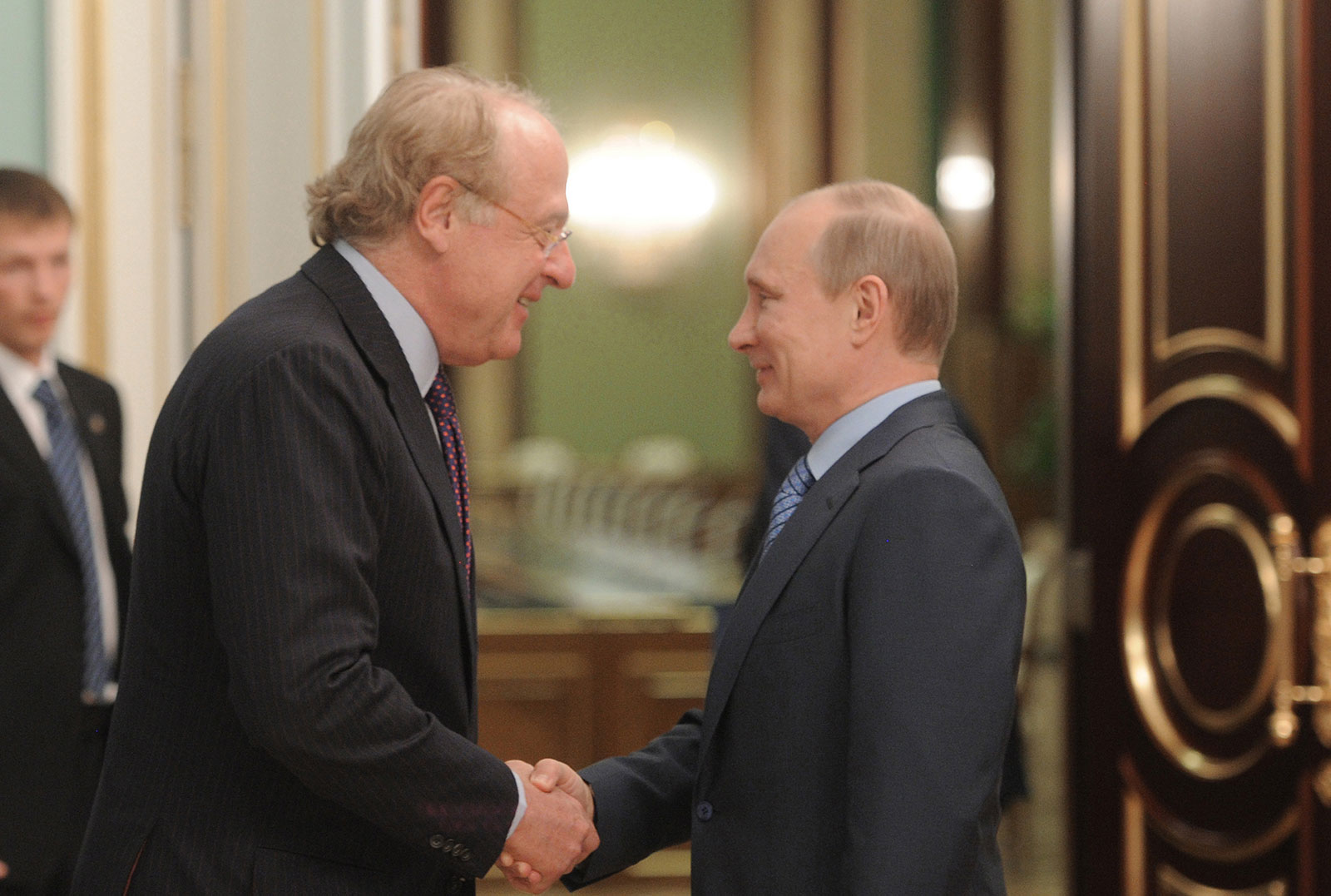 Paolo Scaroni and Vladimir Putin during their meeting at the government headquarters in Moscow, on April 25, 2012. (ALEXEY DRUZHININ/AFP/Getty Images)