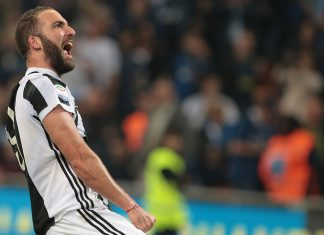Gonzalo Higuain celebrating at the end of Inter-Juventus at Stadio San Siro on April 28, 2018. (Photo by Emilio Andreoli/Getty Images)