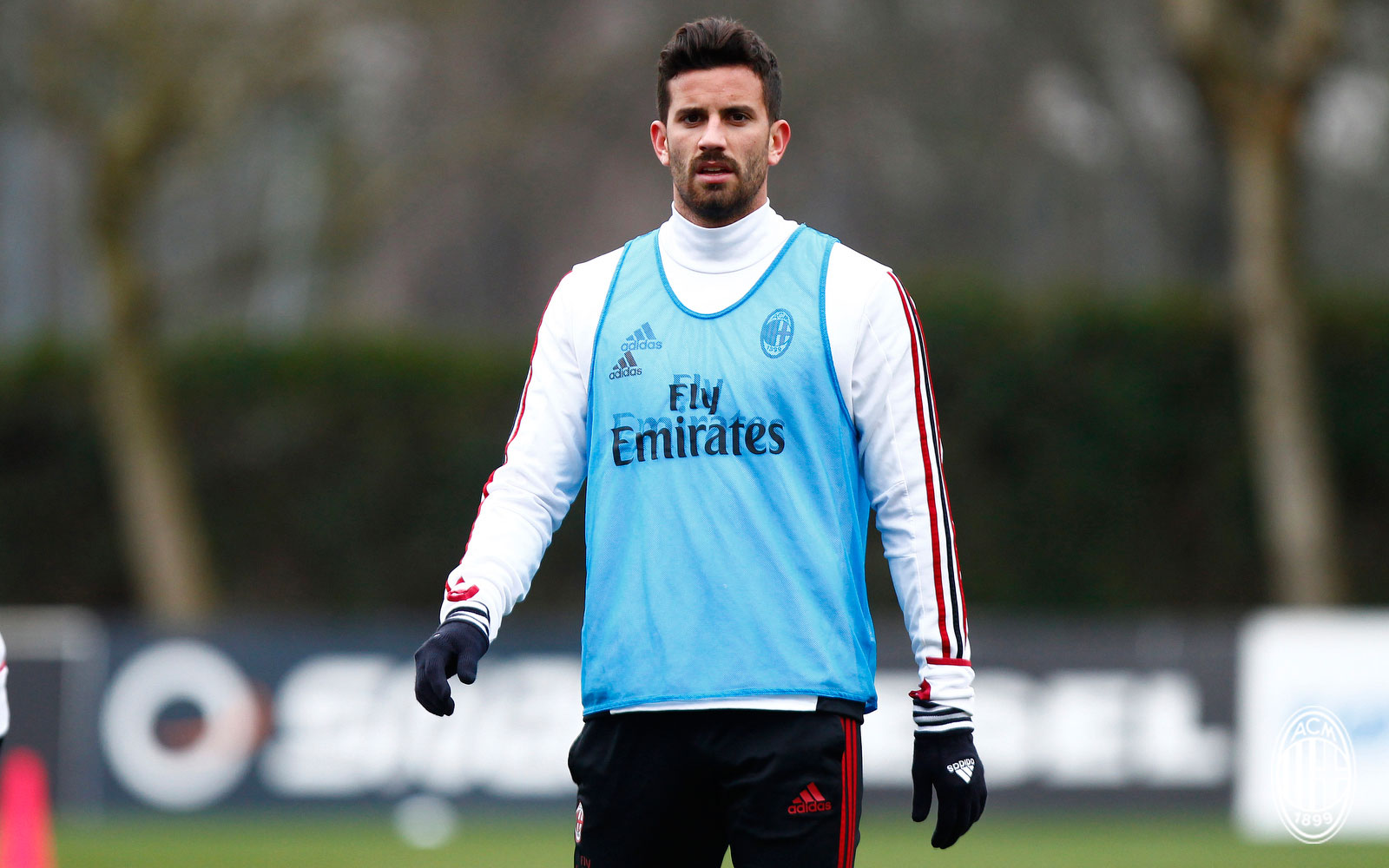 Fulham reportedly make an offer for Musacchio, Milan ...