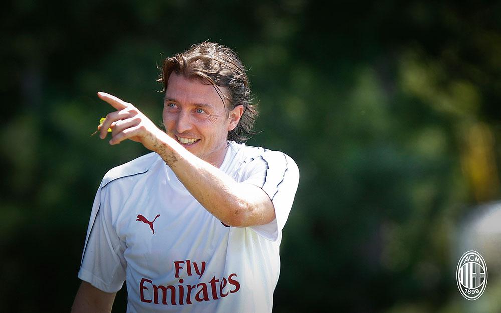 Riccardo Montolivo during training at Milanello. (@acmilan.com)