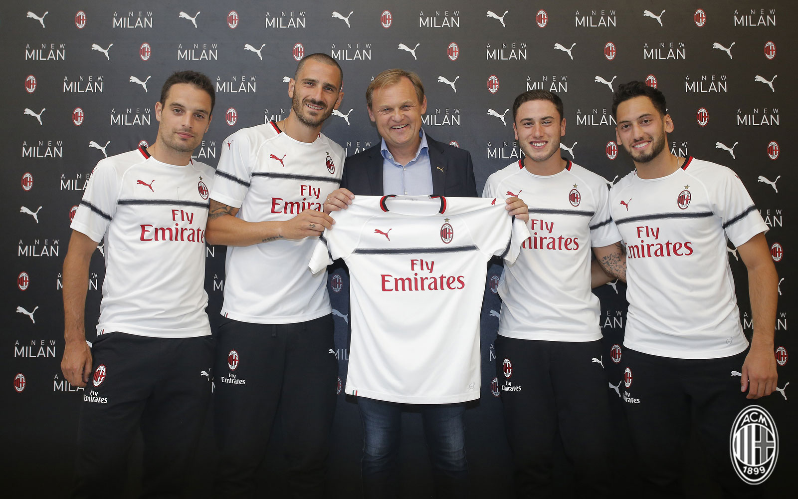 56cd3284a Pictures  Milan unveil 2018 19 away kit