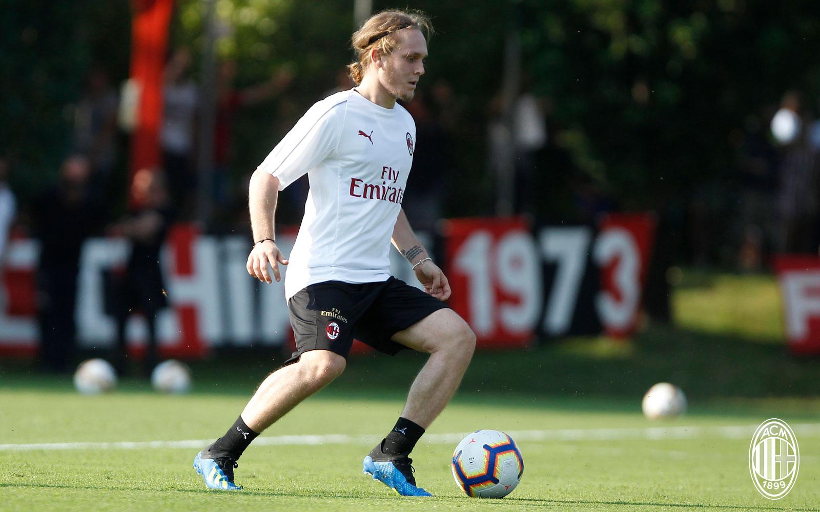 Alen Halilović during training at Milanello. (@acmilan.com)