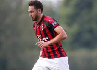 Hakan Çalhanoğlu during Milan-Novara at training center Milanello on July 20, 2018. (@acmilan.com)