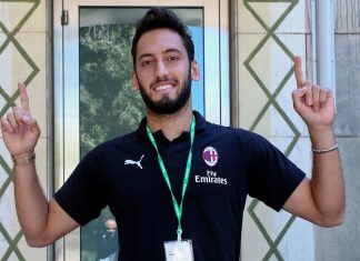 Hakan Çalhanoğlu at the Facebook and Instagram HQ in Menlo Park, San Francisco, USA on August 2, 2018. (@acmilan.com)