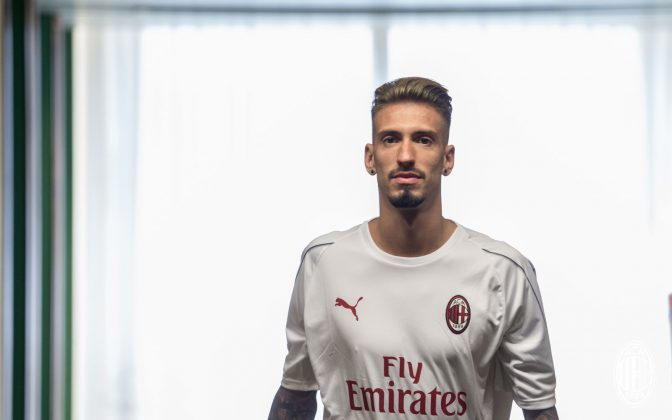 Samu Castillejo at La Madonnina Clinic on August 16, 2018. (@acmilan.com)