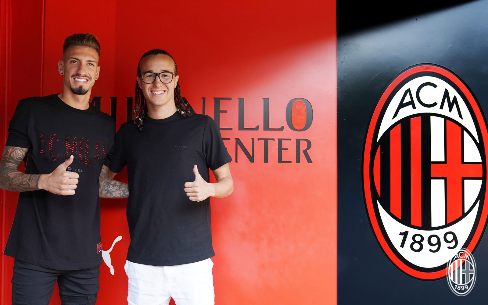 Samu Castillejo Diego Laxalt  at training center Milanello on August 17, 2018. (@acmilan.com)