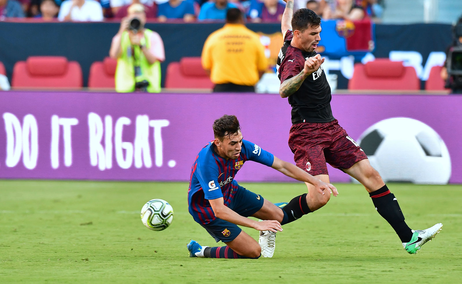 Alessio Romagnoli and Munir El Haddadi during Barcelona-Milan at Levi's Stadium on August 5, 2018. (FREDERIC J. BROWN/AFP/Getty Images)
