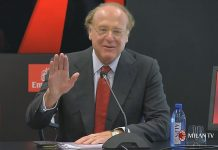 Paolo Scaroni during the presentation of Paolo Maldini at Casa Milan on August 6, 2018. (@acmilan.com)