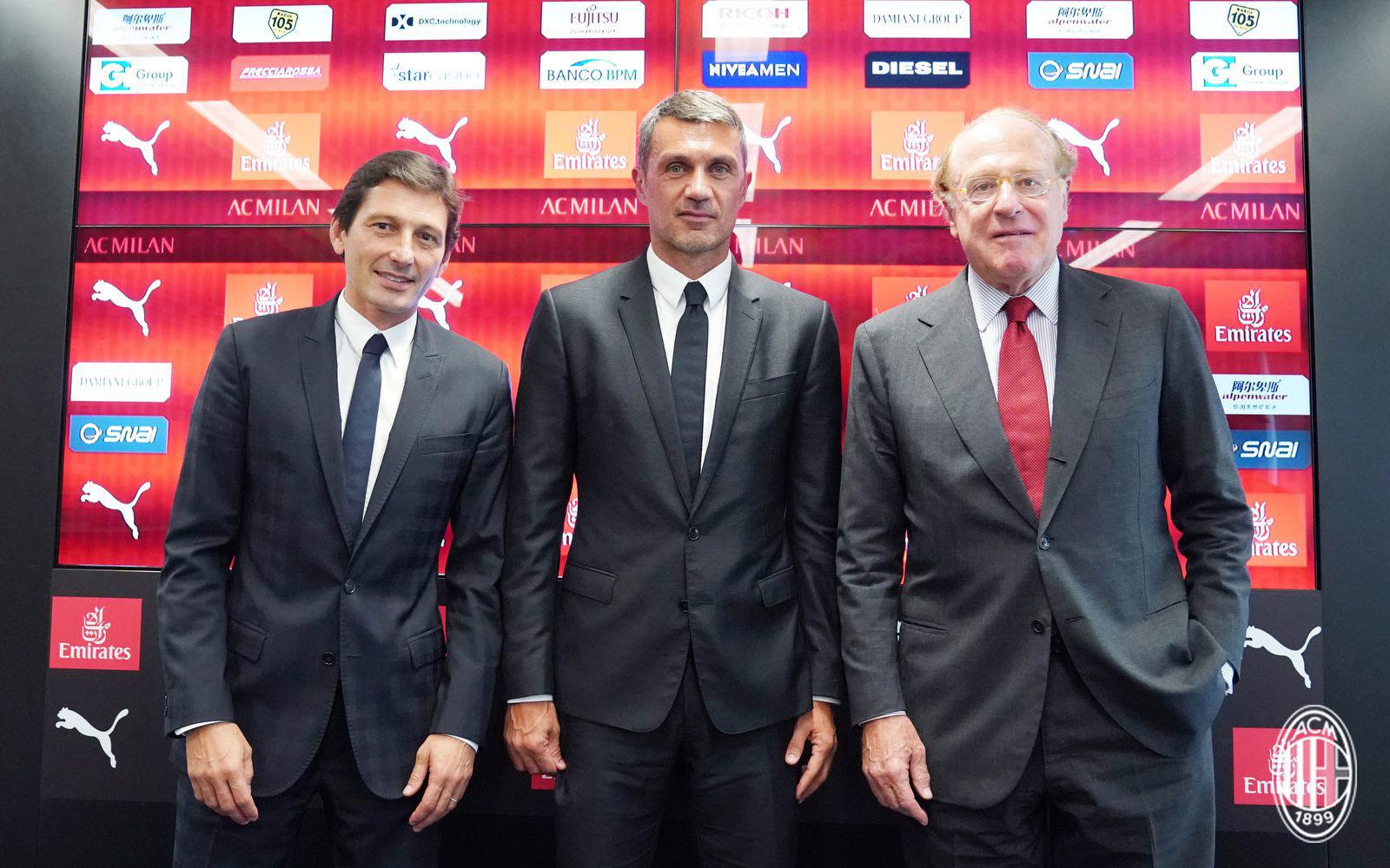 Leonardo, Paolo Maldini and Paolo Scaroni during Maldini's presentation at Casa Milan on August 6, 2018. (@acmilan.com)