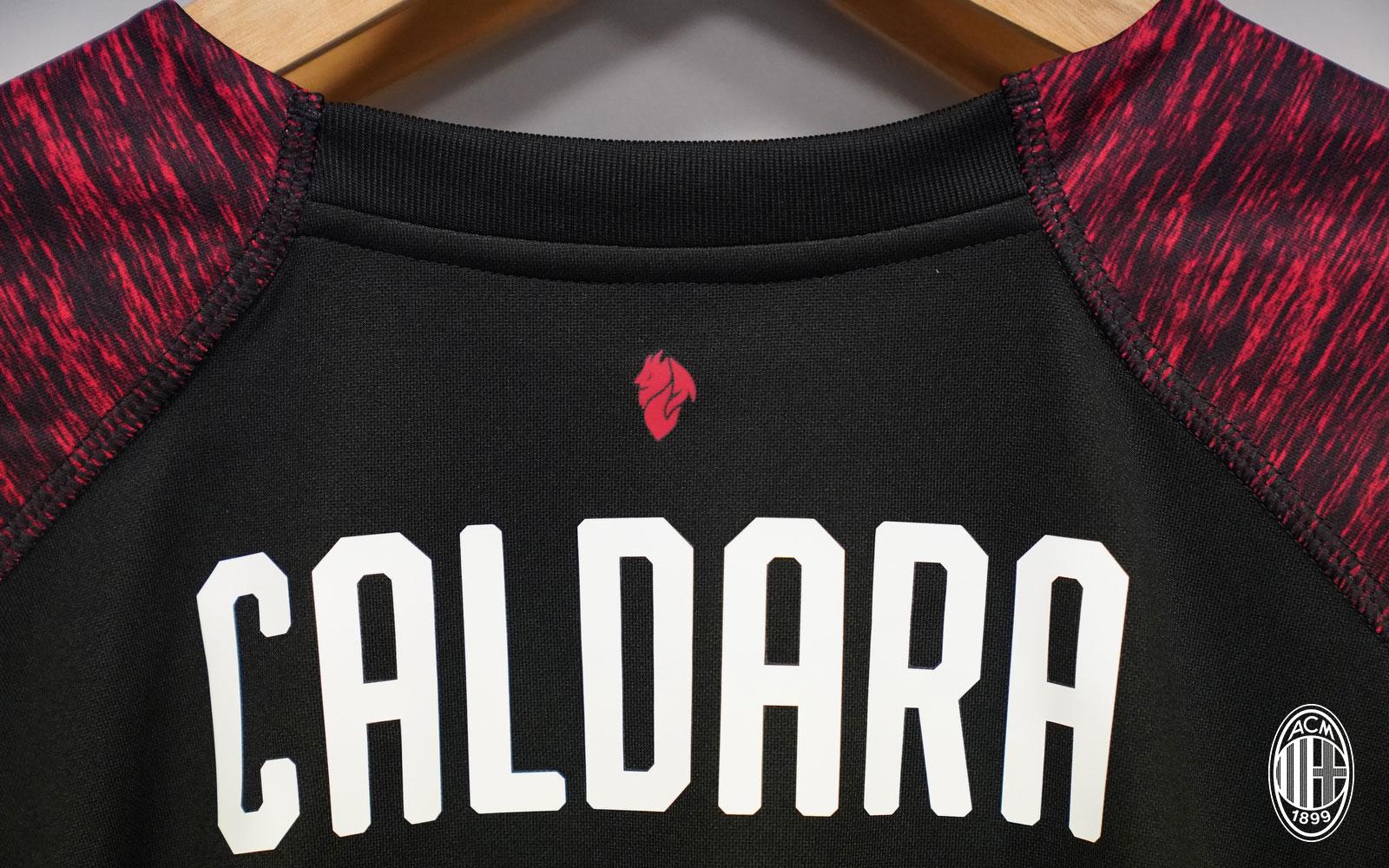 Mattia Caladara's shirt before Real Madrid-Milan at Estadio Santiago Bernabéu on August 11, 2018. (@acmilan.com)
