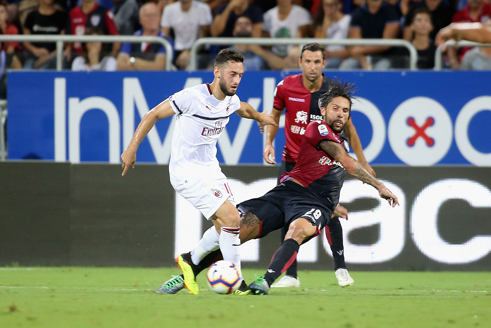 Hakan Çalhanoğlu and Lucas Castro during Cagliari-Milan at Sardegna Arena on September 16, 2018. (Photo by Enrico Locci/Getty Images)