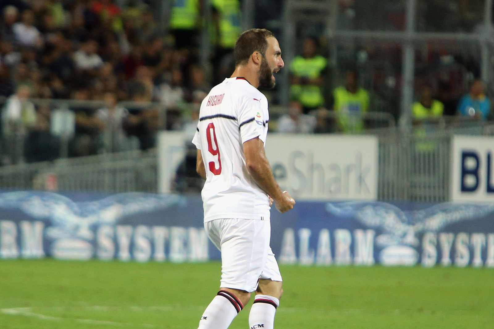Gonzalo Higuain celebrating during Cagliari-Milan at Sardegna Arena on September 16, 2018. (Photo by Enrico Locci/Getty Images)