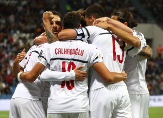 Samu Castillejo, Giacomo Bonaventura, Hakan Çalhanoğlu, Alessio Romagnoli and Ricardo Rodriguez celebrating during Sassuolo-Milan at Mapei Stadium – Città del Tricolore on September 30, 2018. (Photo by Marco Luzzani/Getty Images)