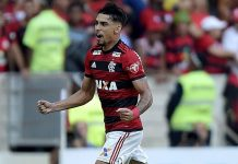 Lucas Paquetá celebrating during Flamengo- Clube Atlético Mineiro at the Maracanã on September 23, 2018. (Photo by Alexandre Loureiro/Getty Images)