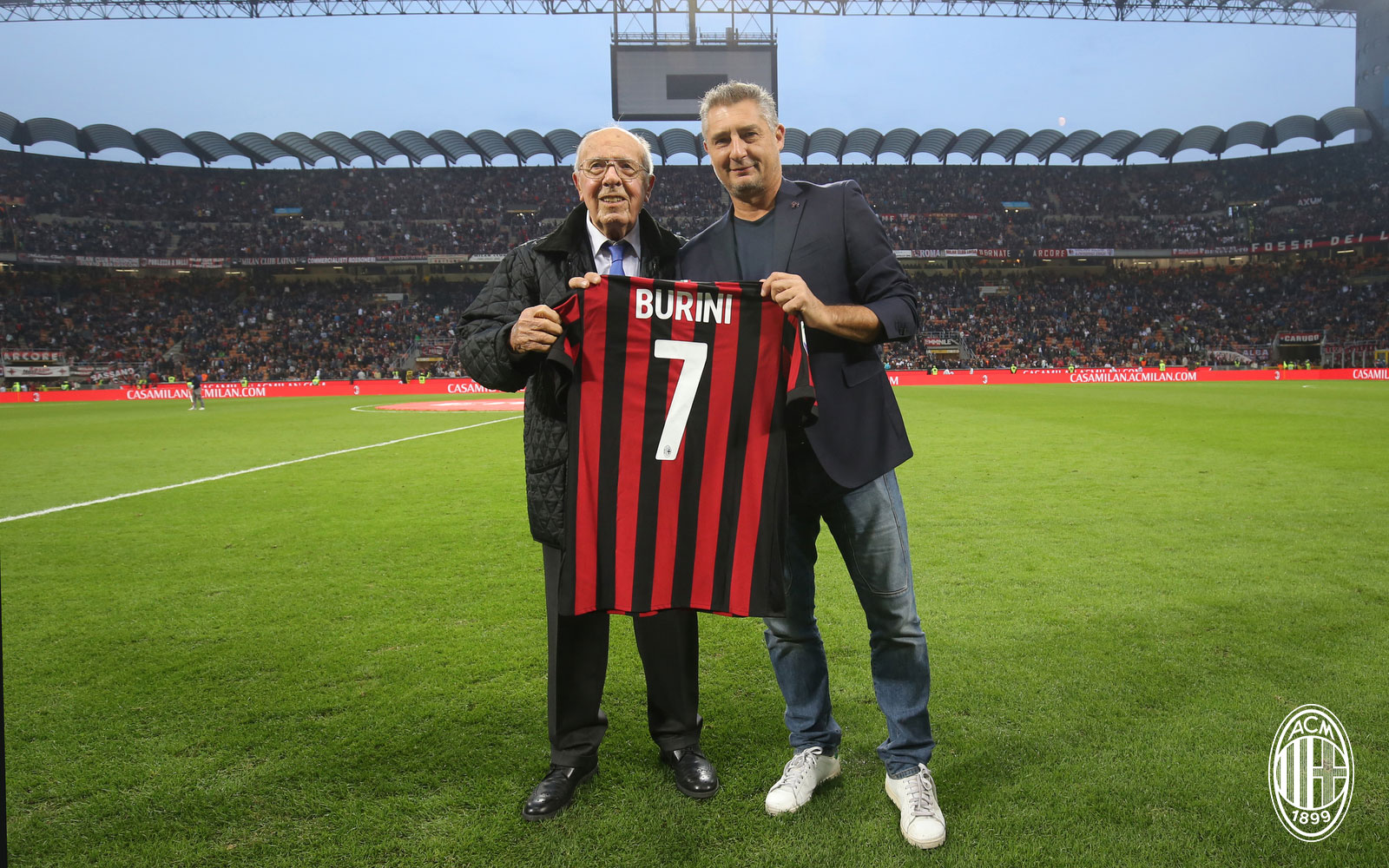 Daniele Massaro and Renzo Burini before Milan-Roma at Stadio San Siro on October 1, 2017. (@acmilan.com)