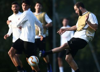 Gonzalo Higuaín during training at Milanello. (@acmilan.com)