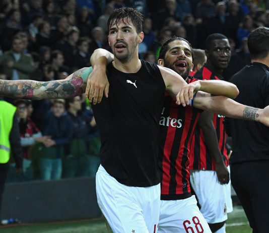 Alessio Romagnoli and Ricardo Rodriguez celebrating during Udinese-Milan at Stadio Friuli on November 4, 2018. (Photo by Alessandro Sabattini/Getty Images)