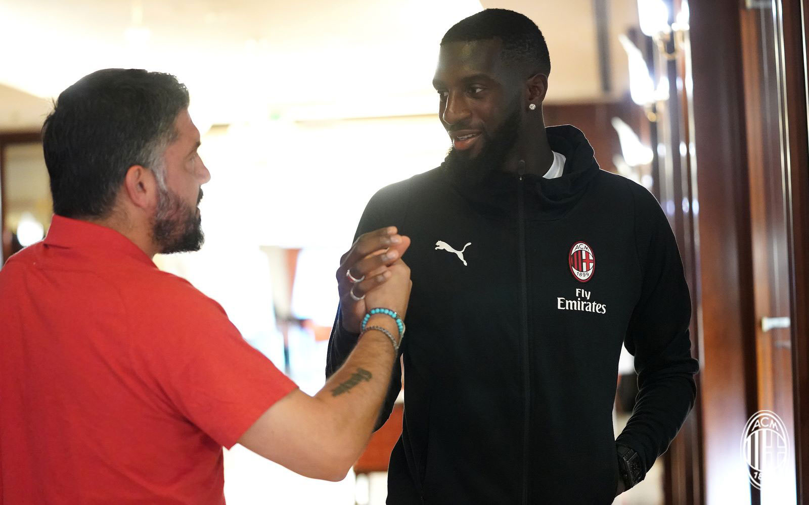 Tiémoué Bakayoko and Gennaro Gattuso during training. (@acmilan.com)
