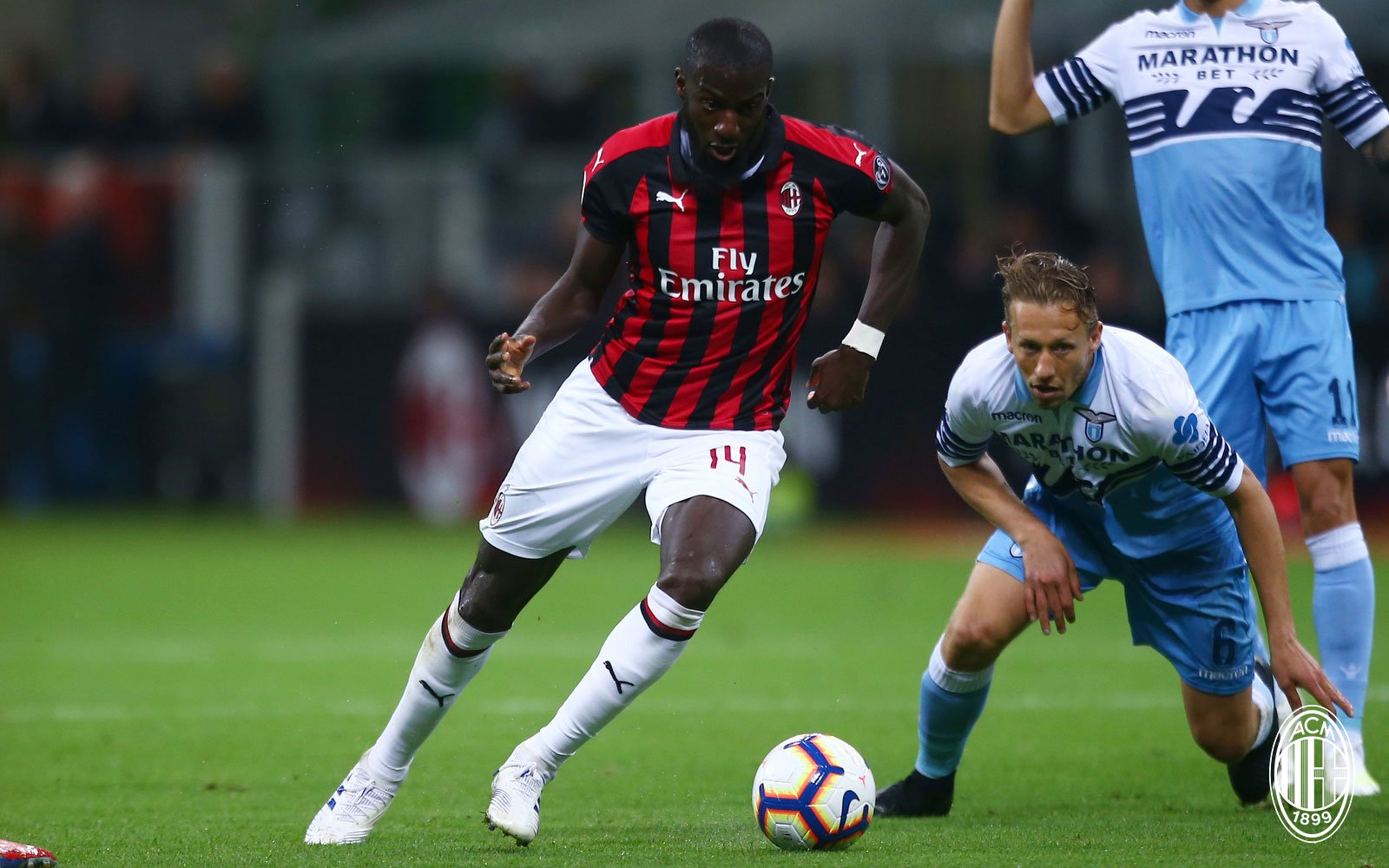 Tiémoué Bakayoko and Lucas Leiva during Milan-Lazio at Stadio San Siro on April 24, 2019. (@acmilan.com)
