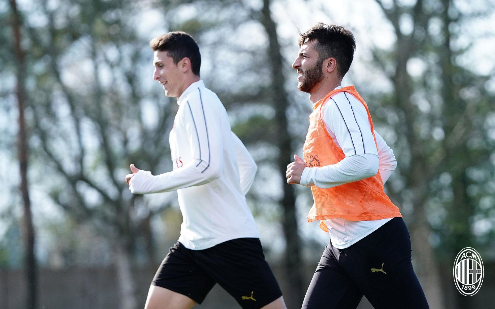 Andrea Bertolacci during training at Milanello. (@acmilan.com)