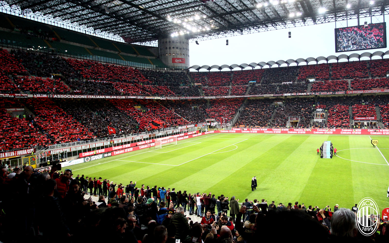 Milan fans during Milan-Sassuolo at Stadio San Siro on March 2, 2019. (@acmilan.com)