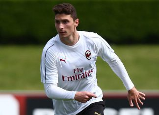 Mattia Caldara during training at Milanello. (@acmilan.com)
