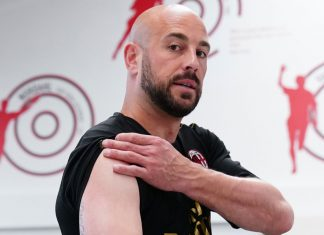 Pepe Reina during training at Milanello. (@acmilan.com)